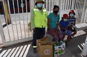 Municipio apoyó a comunidad escolar con entrega de ropa deportiva